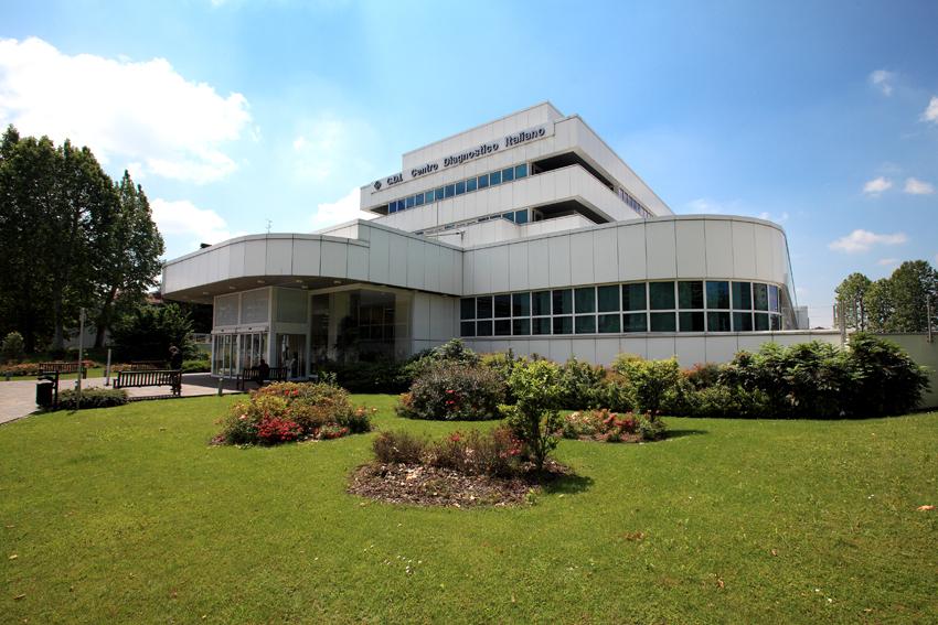 Esterno di una delle sedi del Centro Diagnostico Italiano